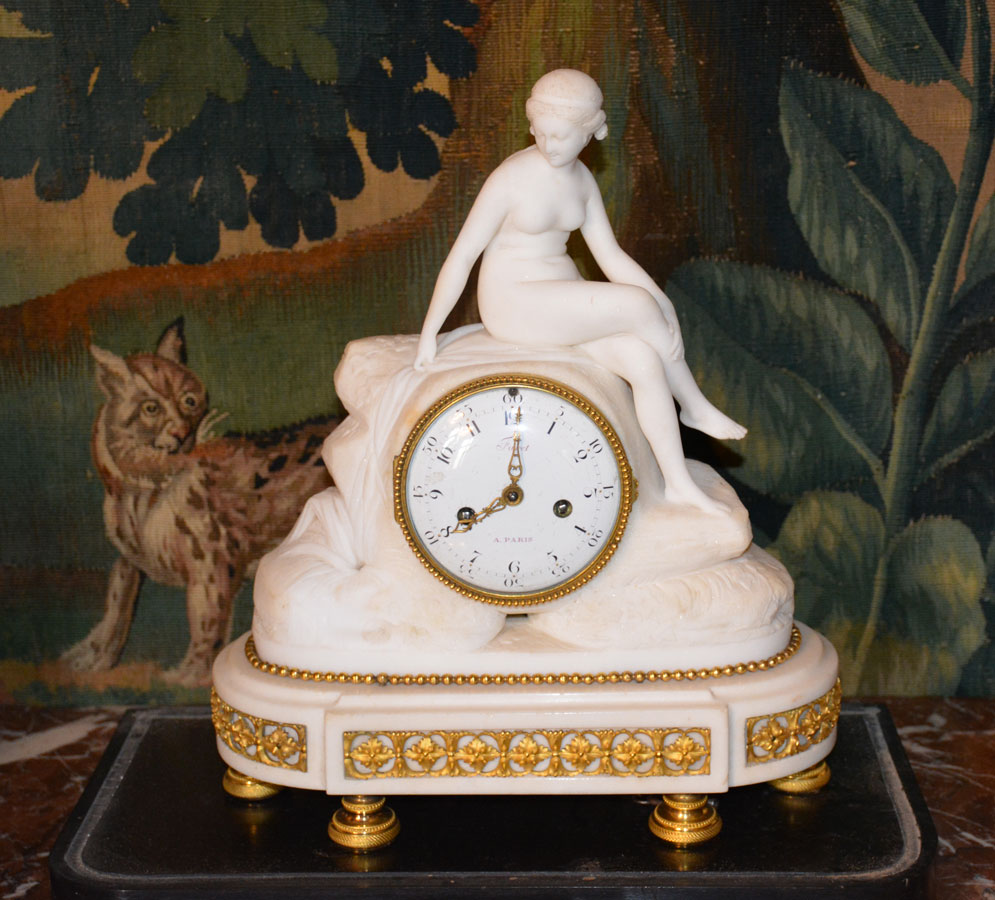 pendule femme horaires au Chateau de Montpoupon