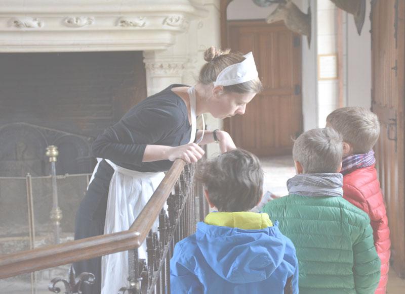 Photo de la visite guidée théâtralisée au Château de Montpoupon